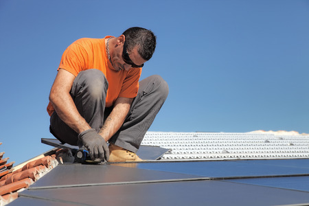 solar panel roof: photovoltaic solar panels installation