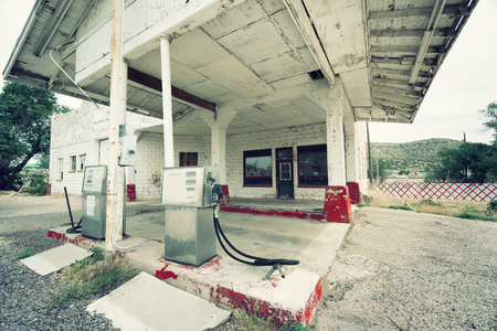 66: abandoned gas station on route 66, USA Stock Photo