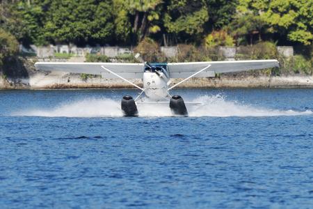 hydroplane: hydroplane take off