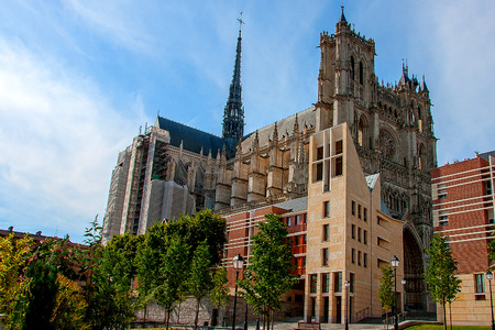 repose: Amiens Cathedral is a Roman Catholic cathedral