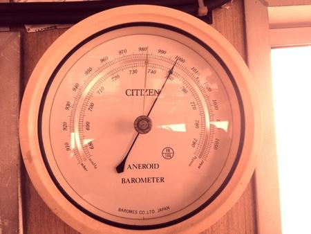 aneroid: Barometer aneroid