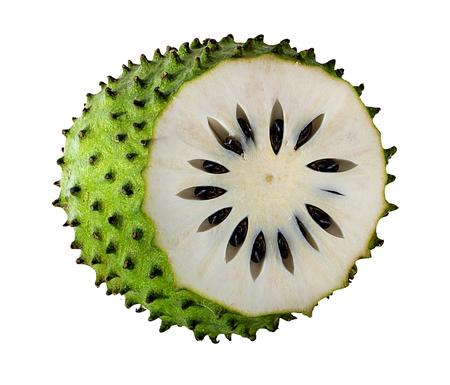 Annona muricata.Soursop 과일 (설탕 애플, 커스터드 애플) 흰색 배경에 고립