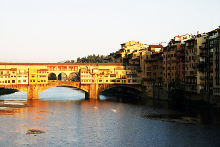 ponte vechio: Ponte Vecchio with river Arno at sunset, Florence, Italy
