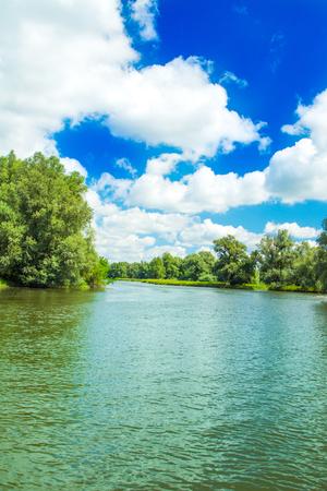 クロアチアのスラヴォニアにあるコパッキ・リット自然公園、人気の観光地や鳥の予約