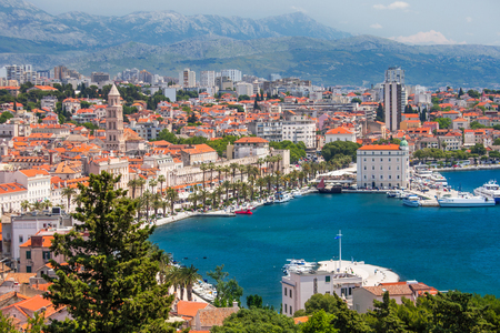 Old town of Split in Dalmatia, Croatia. Parnoamic view of city center, palace of Roman emperor Diocletianus and catherdal. Popular tourist destination in Europe. Reklamní fotografie