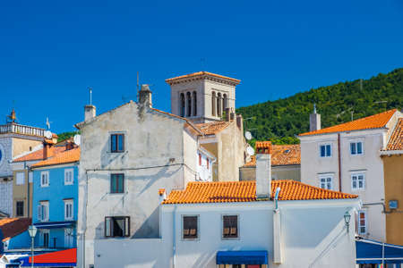 Town of Cres on the island of Cres, Adriatic coast in Croatia, old buildings in city center 免版税图像