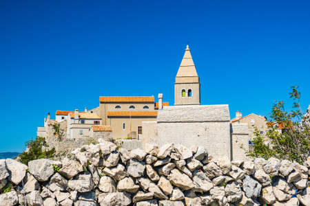 Amazing old town of Lubenice on the high cliff, Cres island in Croatia 免版税图像