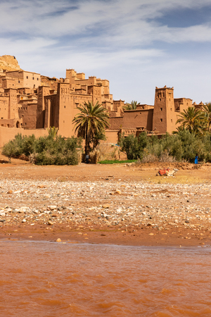River floating outside Ait Benhaddou ancient village in Morocco Reklamní fotografie
