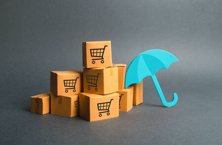 Many boxes with a pattern of shopping carts and umbrella. Standard-Bild
