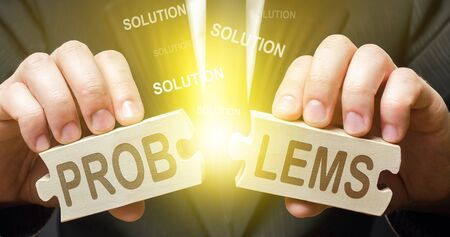 A man solves problems and finds solutions. Dispute solution, compromise consensus. Win-win. Correction and work on errors, gaining valuable experience. Good optimistic changes. Overcome trouble.