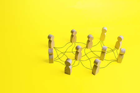 People connected by a network of lines. Communication, building business relationships. Unconventional company structure, distribution responsibilities between employees. Informal relationship