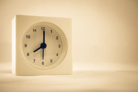 The time is now 8.00 am, vintage style