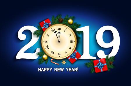 Carte de nouvel an 2019 avec horloge, coffret cadeau, canne en bonbon, branches de pin décorées, étoiles dorées et bulles sur fond bleu. Illustration vectorielle