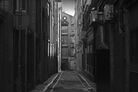 Looking down a long dark back alley Stock Photo - 2970400