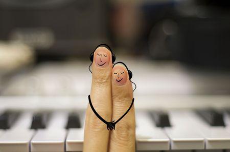 couple enlac�: Amateurs de musique