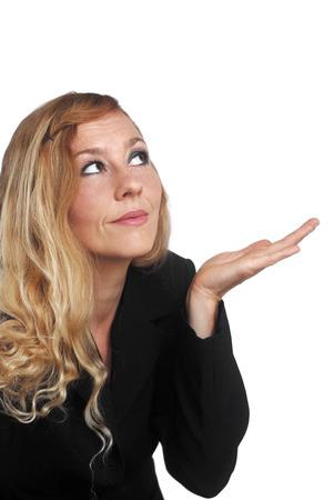 Blonde Frau Präsentieren mit freiem Platz für Text Standard-Bild - 29867682