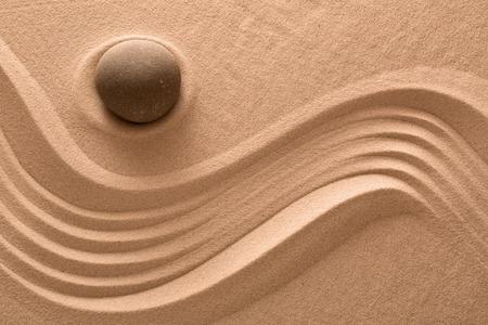piedras zen: jard�n de piedra zen, relajaci�n spa wellness y buddism o yoga espiritualidad relajaci�n y equilibrio fondo Foto de archivo