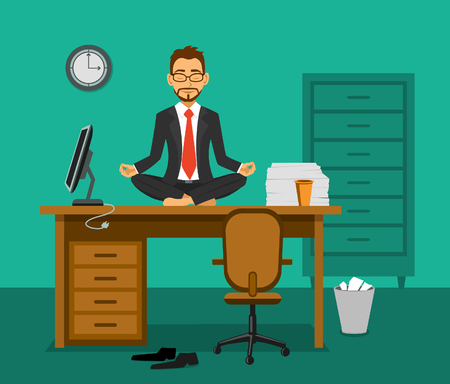 疲れの従業員がオフィスで作業机の上で瞑想します。職場でリラクゼーション。