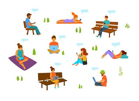 Hombres y mujeres jóvenes con teléfonos móviles, computadoras portátiles, tabletas, que trabajan, chateando, enviando mensajes de texto, en el parque de la ciudad, conjunto de ilustraciones vectoriales aisladas