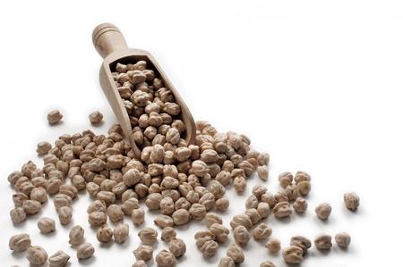 legumbres secas: pila de verduras secas en el fondo blanco Foto de archivo