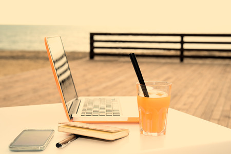 useful digital devices to connect outdoors during a working session