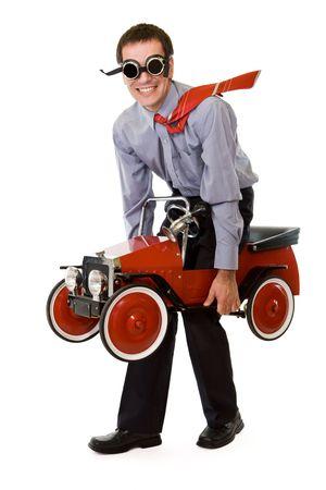 carritos de juguete: Crazy inusual hombre de negocios con el presupuesto de transporte soluci�n - aislados