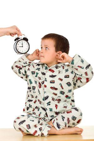 pijama: Ni�o no quiere escuchar sobre la hora de acostarse - aislado