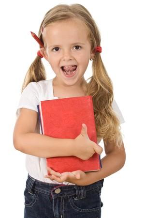 ir al colegio: Ni�a peque�a celebraci�n de libros que se prepara para volver a la escuela - aislado