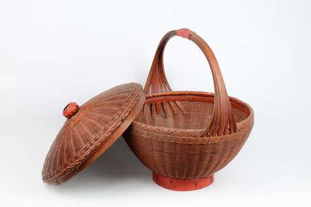 larger: Basket