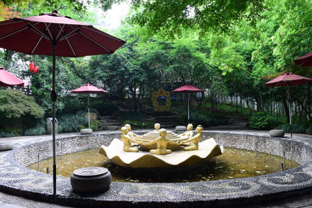 compatibility: Hangzhou Huanglong Cave circular edge of the national park compatibility Pool