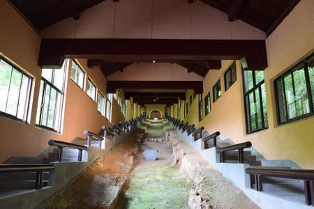 Southern Song dynasty Guan kiln Museum
