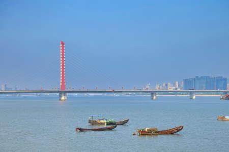 xing: Qianjiangsanqiao XI XING of the Qiantang River Bridge