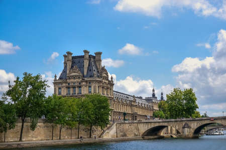 historical sites: Seine Notre Dame