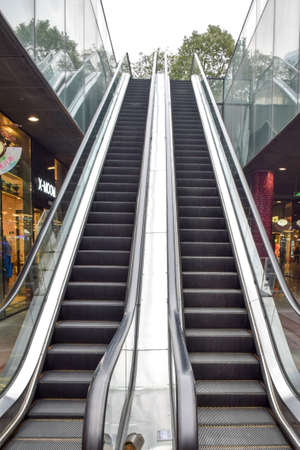 bidirectional: The escalator Editorial
