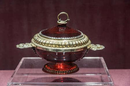 glass art: European Glass Art Treasures Exhibition Editorial