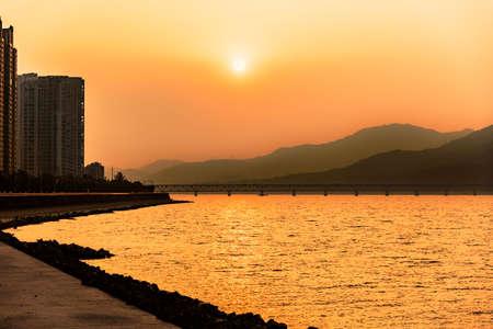 tang: Hangzhou Qian Tang river sunset