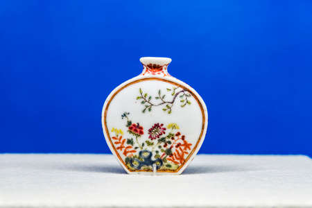 tabaco: flower pattern porcelain snuff bottle Editorial