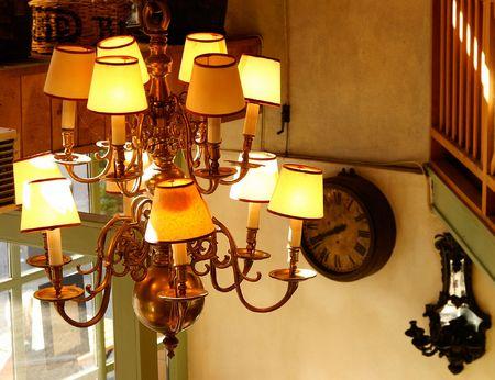 droplight: Lampadario e caff�  Archivio Fotografico