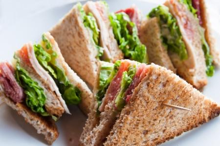 sandwich de pollo: Sandwich con tocino Foto de archivo