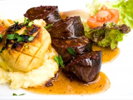 brasserie restaurant: Une cuisine fran�aise traditionnelle Noir Boudin sur la table Banque d'images
