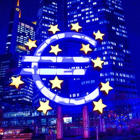 zone euro: Euro Sign - 12 F�vrier: Euro signe. Banque centrale europ�enne (BCE) est la banque centrale de l'euro et administre la politique mon�taire de la zone euro. 12 f�vrier 2014 � Francfort, en Allemagne. Editeur