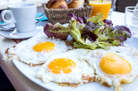 preparaba: Preparados de huevo - huevo preparado bajo el sol