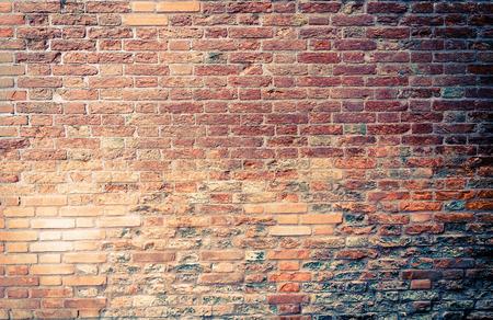 paredes de ladrillos: Texturas de la pared de ladrillo rojo viejo y fondos