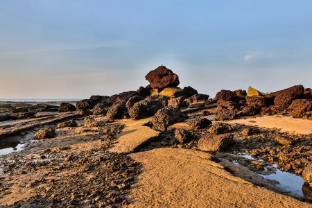 Susan Hoi ou F�sseis Shell Beach ao amanhecer, Krabi, Tail�ndia Banco de Imagens