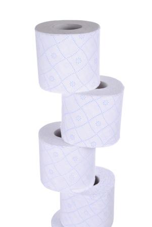 pila di rotoli di carta igienica, isolato su sfondo bianco