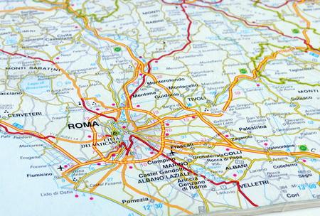 close up of an italian road map showing Rome Standard-Bild