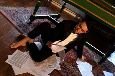 tenor: The tenor Luperci de Souza Editorial