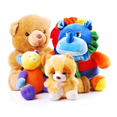 Plüsch-Spielzeug Tiere auf einem weißen Hintergrund