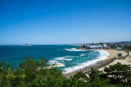 江原州コソンの Cheongganjeong から見た美しい海の風景