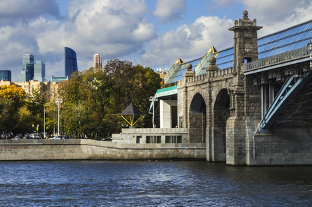 pedestrian bridge: MOSCOW, RUSSIA - October 11, 2016: Pushkinsky Bridge in Moscow. Was built in 1905-1907 by the project engineers LD Proskuryakova, PY Kamentsev and architect AN Pomerantseva and is a monument of architecture and engineering.